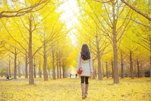 walk-sun-light-healthy-woman